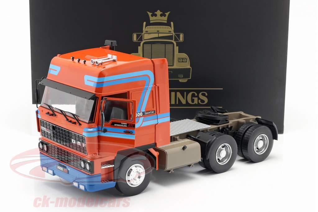 DAF 3600 SpaceCab Camión Año de construcción 1986 naranja / azul 1:18 Road Kings