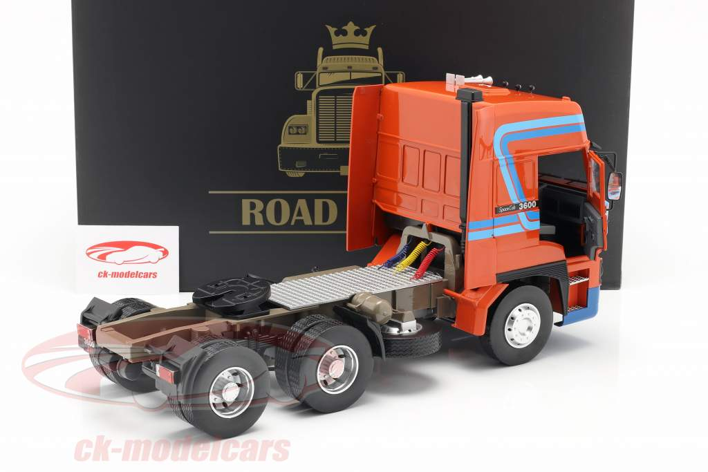 DAF 3600 SpaceCab Lastbil Byggeår 1986 orange / blå 1:18 Road Kings