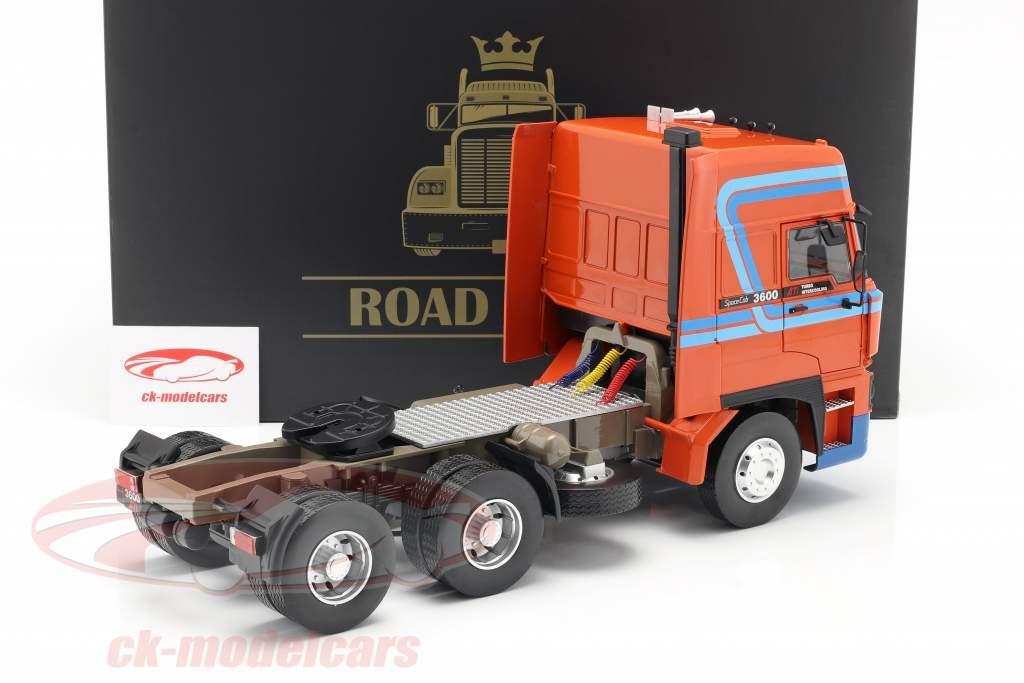 DAF 3600 SpaceCab Truck year 1986 orange / blue 1:18 Road Kings