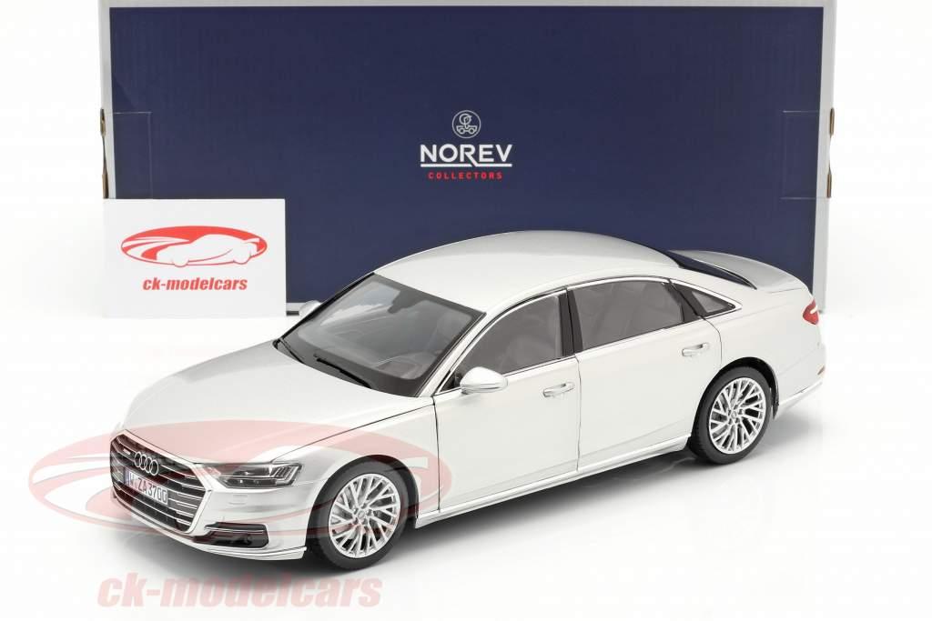 Audi A8 L Ano de construção 2018 prata metálico 1:18 Norev