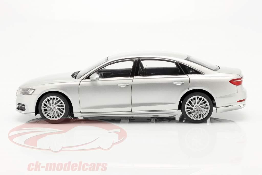Audi A8 L Année de construction 2018 argent métallique 1:18 Norev