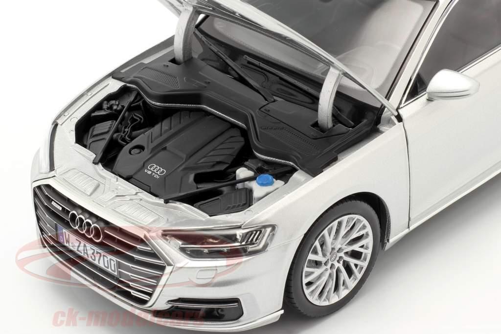 Audi A8 L Año de construcción 2018 plata metálico 1:18 Norev
