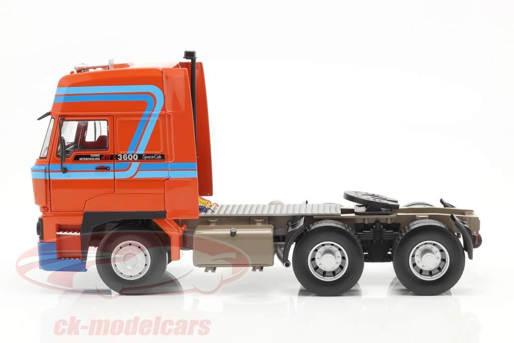 DAF 3600 SpaceCab Sattelzugmaschine 1986 orange / blau 1:18 Road Kings