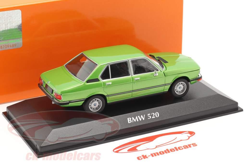 BMW 520 year 1974 green metallic 1:43 Minichamps