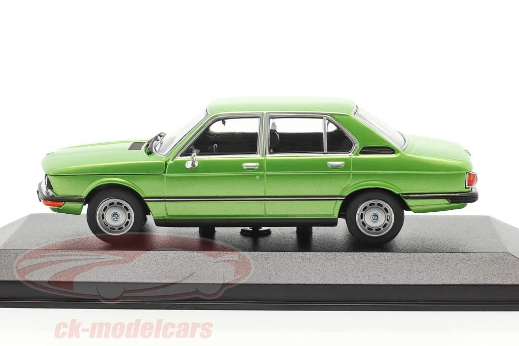 BMW 520 Ano de construção 1974 verde metálico 1:43 Minichamps