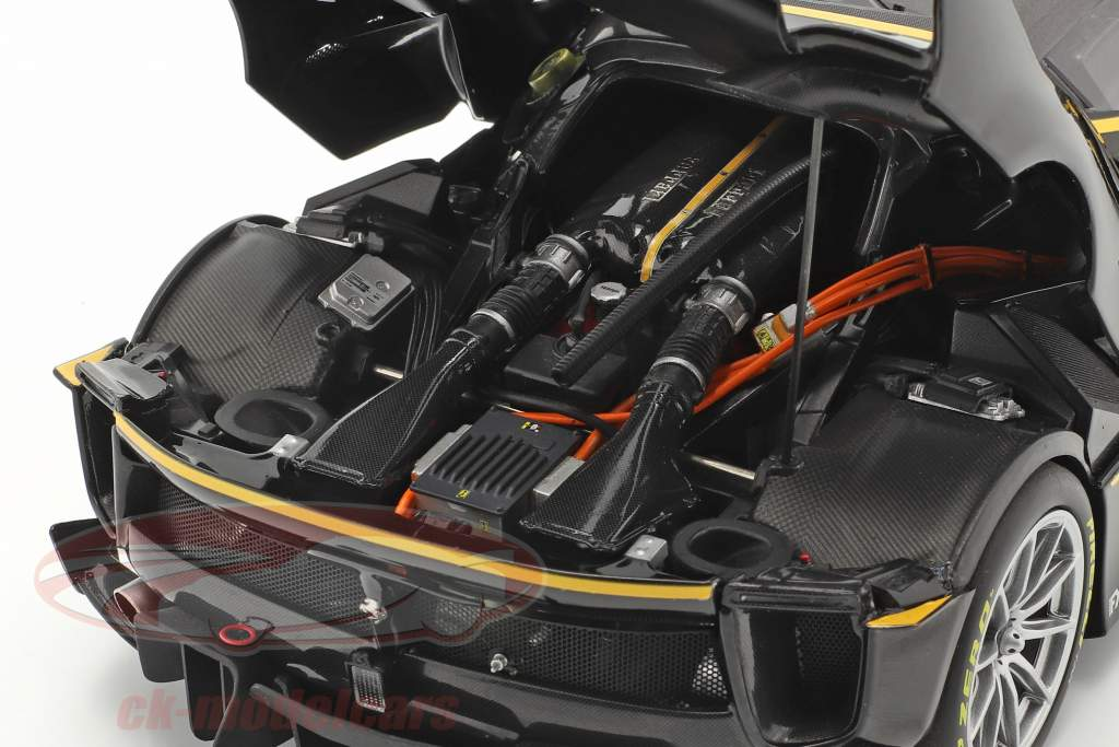 Ferrari FXX-K Evo #44 Byggeår 2017 sort / gul 1:18 BBR
