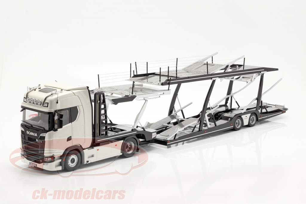 Set Scania V8 730S Blanco Con Lohr Transportador de coches negro / plata 1:18 NZG
