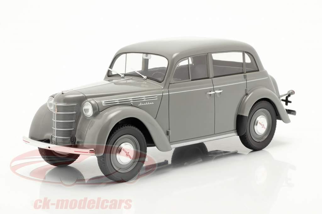 Moskvich 400 Anno di costruzione 1946 Grigio 1:18 iScale
