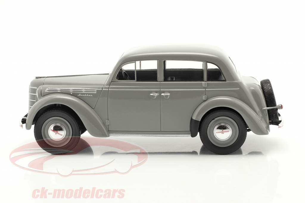 Moskvich 400 Bouwjaar 1946 Grijs 1:18 iScale