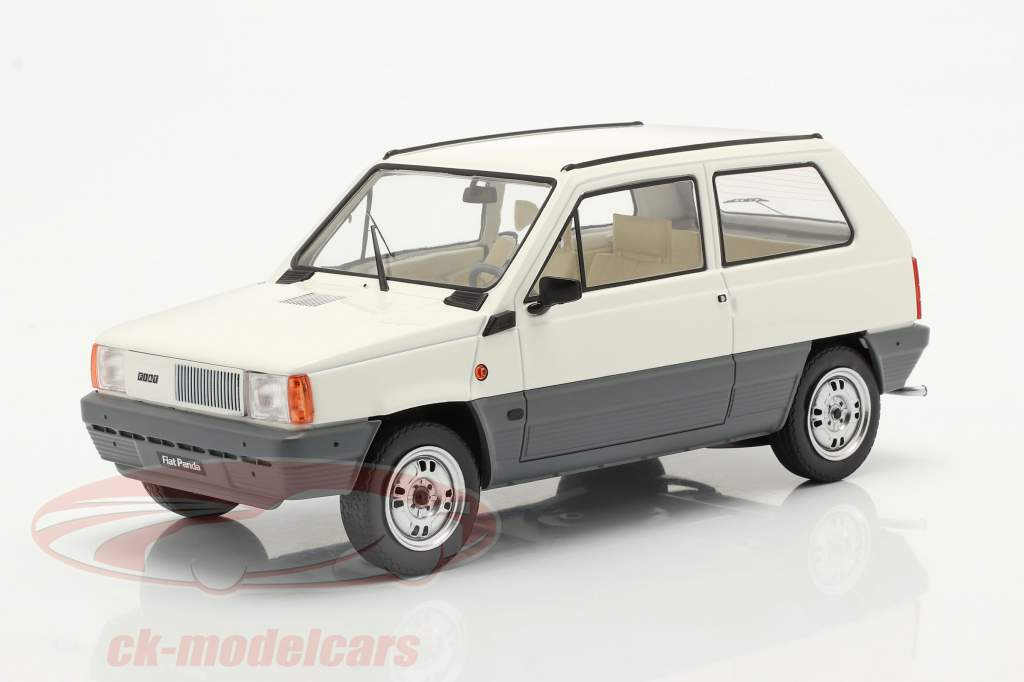 Fiat Panda 45 MK I Año de construcción 1980 Blanco 1:18 KK-Scale