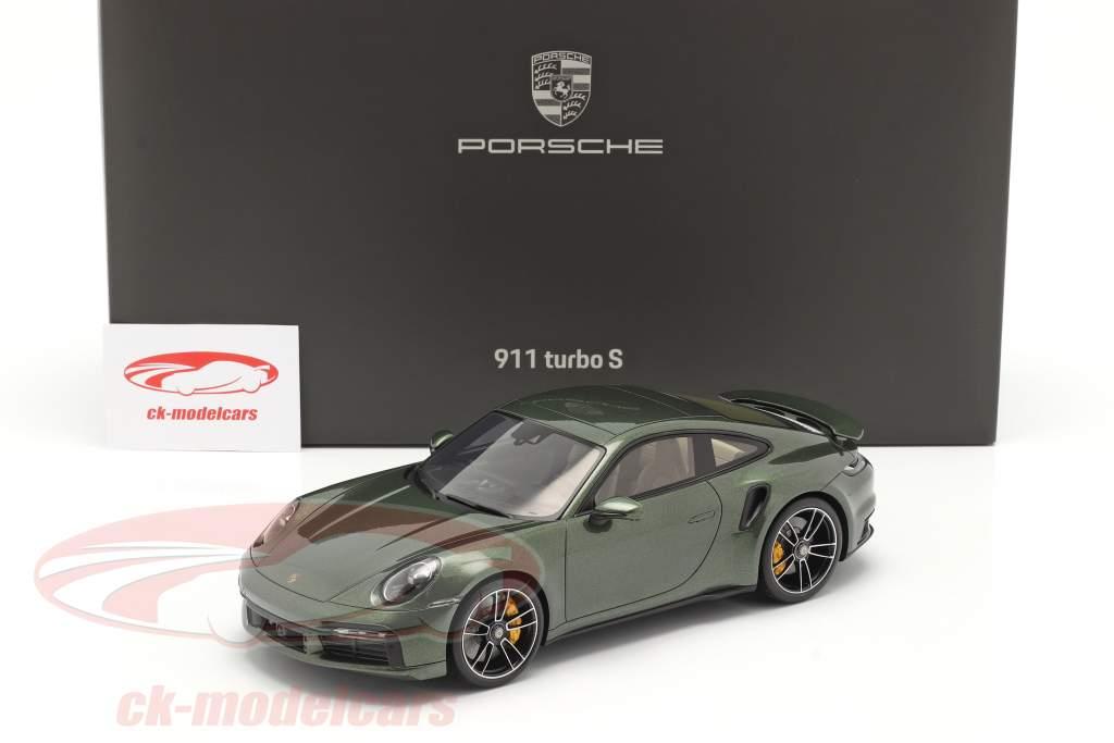 Porsche 911 (992) Turbo S Année de construction 2020 chêne vert métallique Avec Vitrine 1:18 Spark