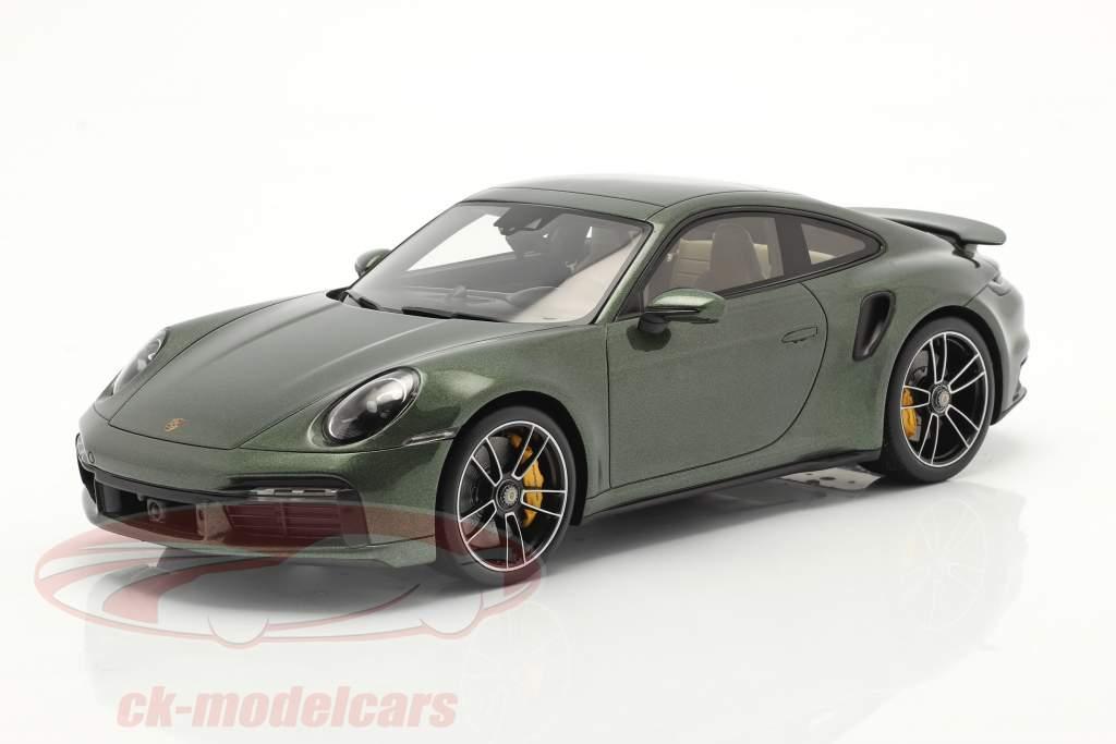 Porsche 911 (992) Turbo S Anno di costruzione 2020 quercia verde metallico Con vetrina 1:18 Spark