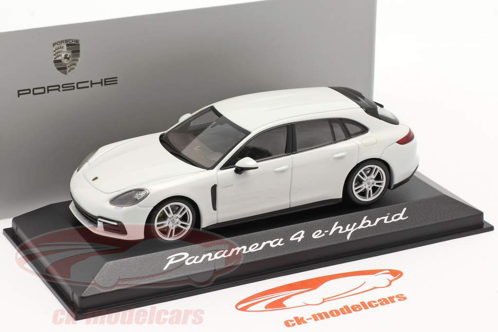 Porsche Panamera 4 E-Hybrid branco 1:43 Minichamps