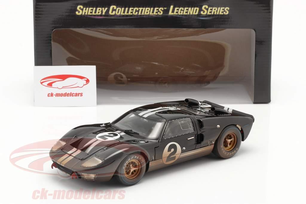 Ford GT40 MK II #2 Winnaar 24h LeMans 1966 Dirty Version 1:18 ShelbyCollectibles