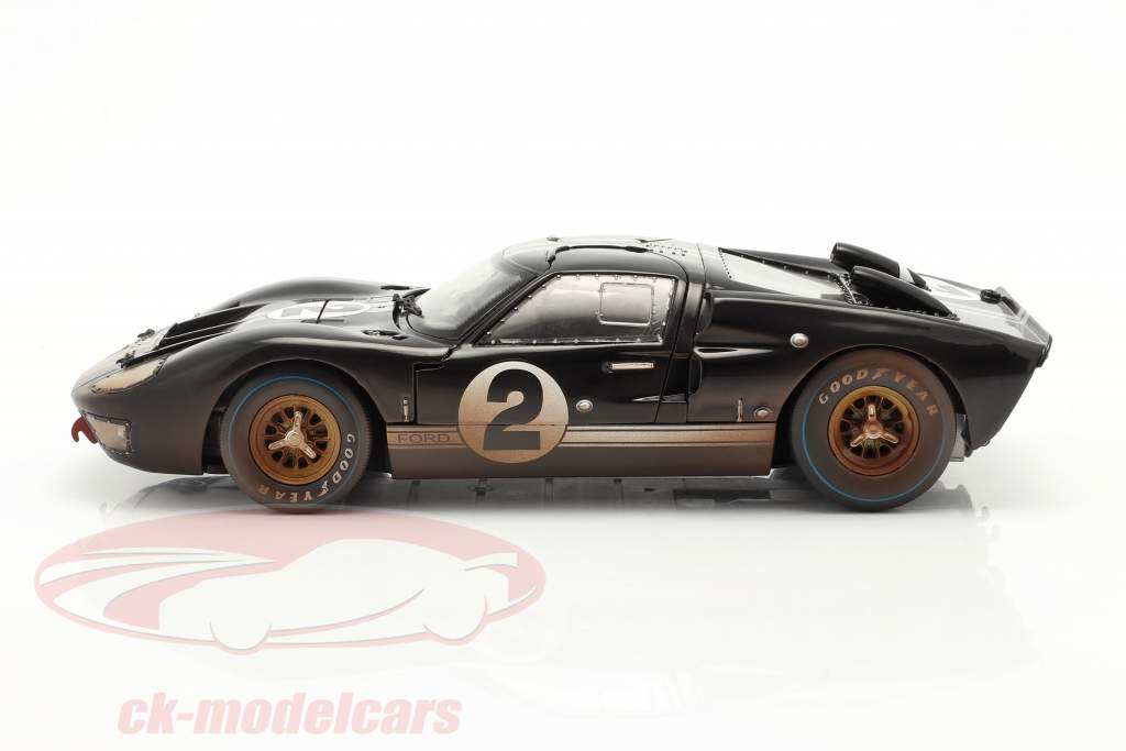 Ford GT40 MK II #2 Ganador 24h LeMans 1966 Dirty Version 1:18 ShelbyCollectibles