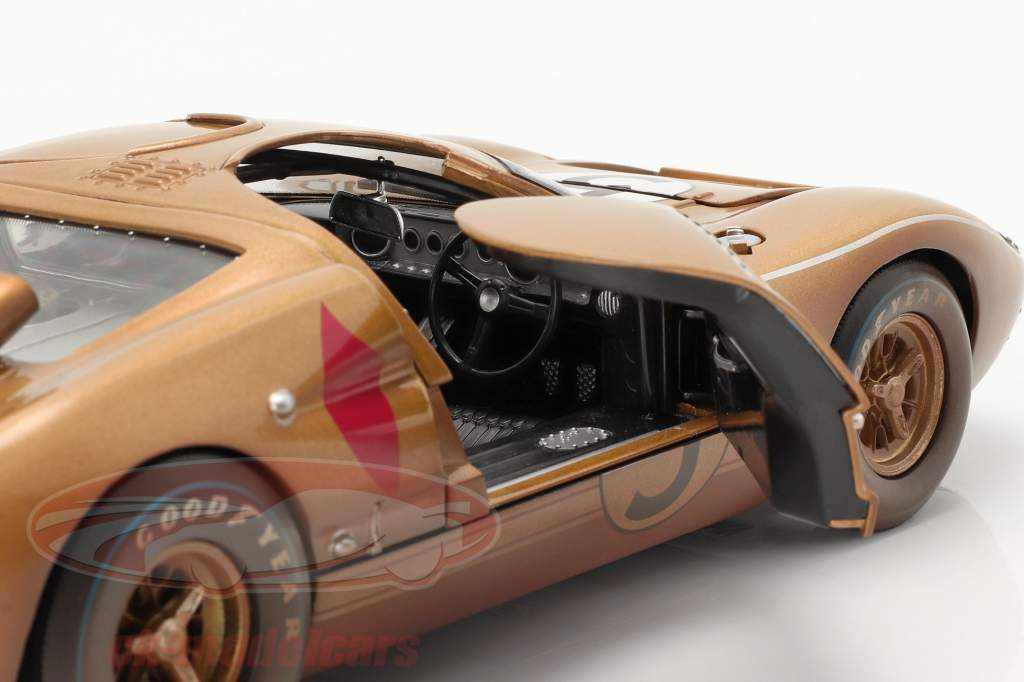 Ford GT40 MK II #5 3rd 24h LeMans 1966 Dirty Version 1:18 ShelbyCollectibles