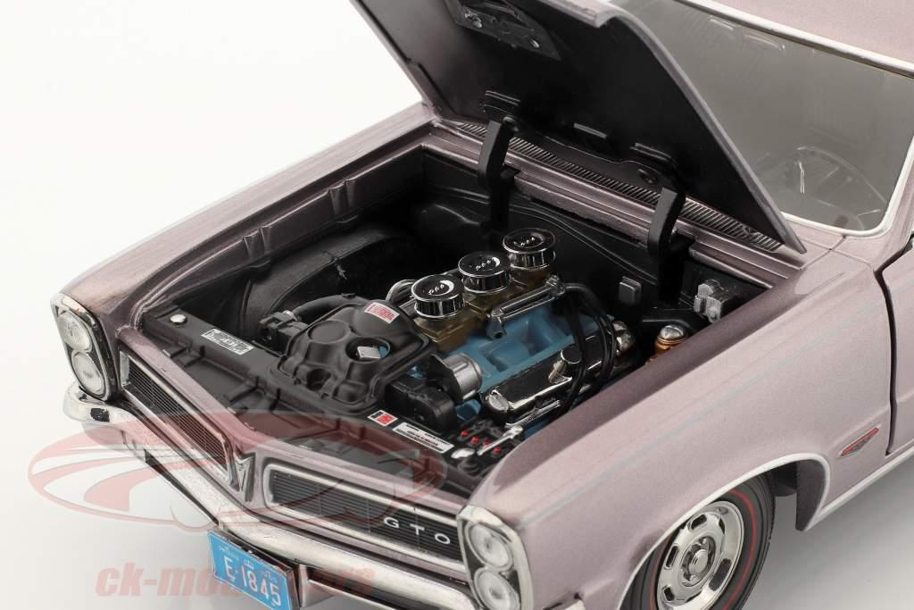 Pontiac GTO Ano de construção 1965 cinza-violeta metálico 1:18 SunStar