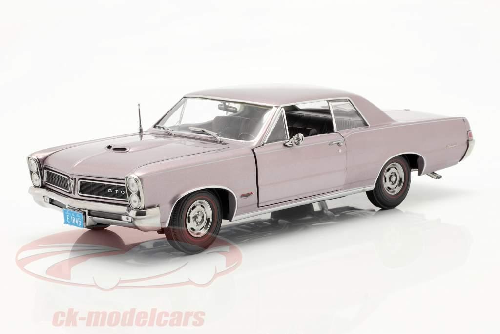 Pontiac GTO Anno di costruzione 1965 grigio-viola metallico 1:18 SunStar
