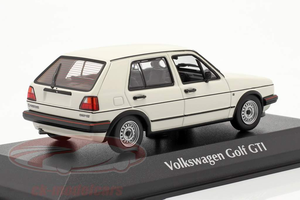 Volkswagen VW Golf II GTi 4-door year 1985 white 1:43 Minichamps