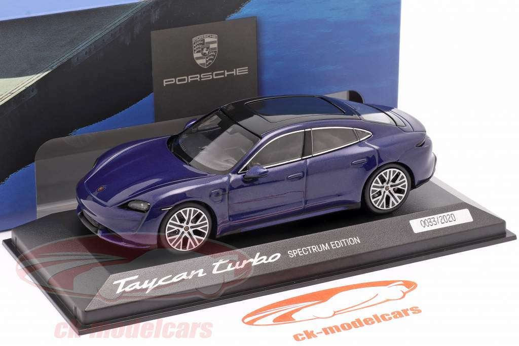 Porsche Taycan Turbo Spectrum Edition 2020 enzian blau metallic 1:43 Minichamps