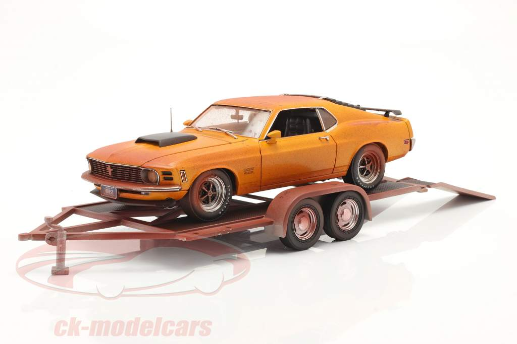 2-Car Set Ford Mustang Boss 429 Baujahr 1970 with car trailer 1:18 GMP