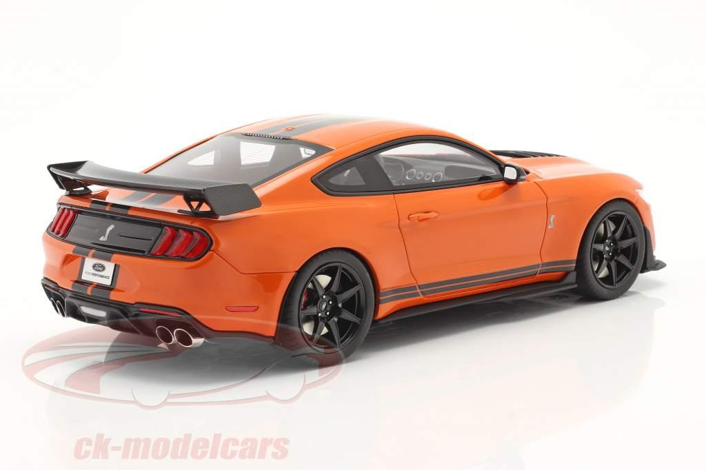 Ford Mustang Shelby GT500 Anno di costruzione 2020 twister arancia / nero 1:18 GT-Spirit