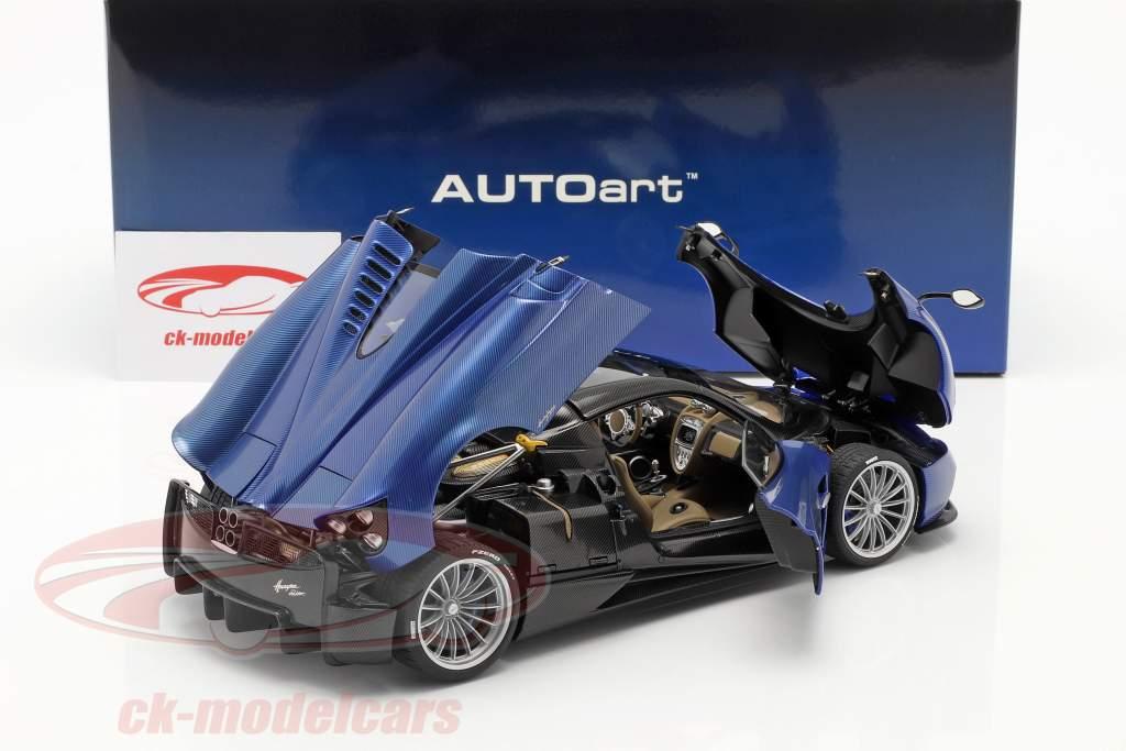 Pagani Huayra Roadster Byggeår 2017 blå kulstof 1:18 AUTOart