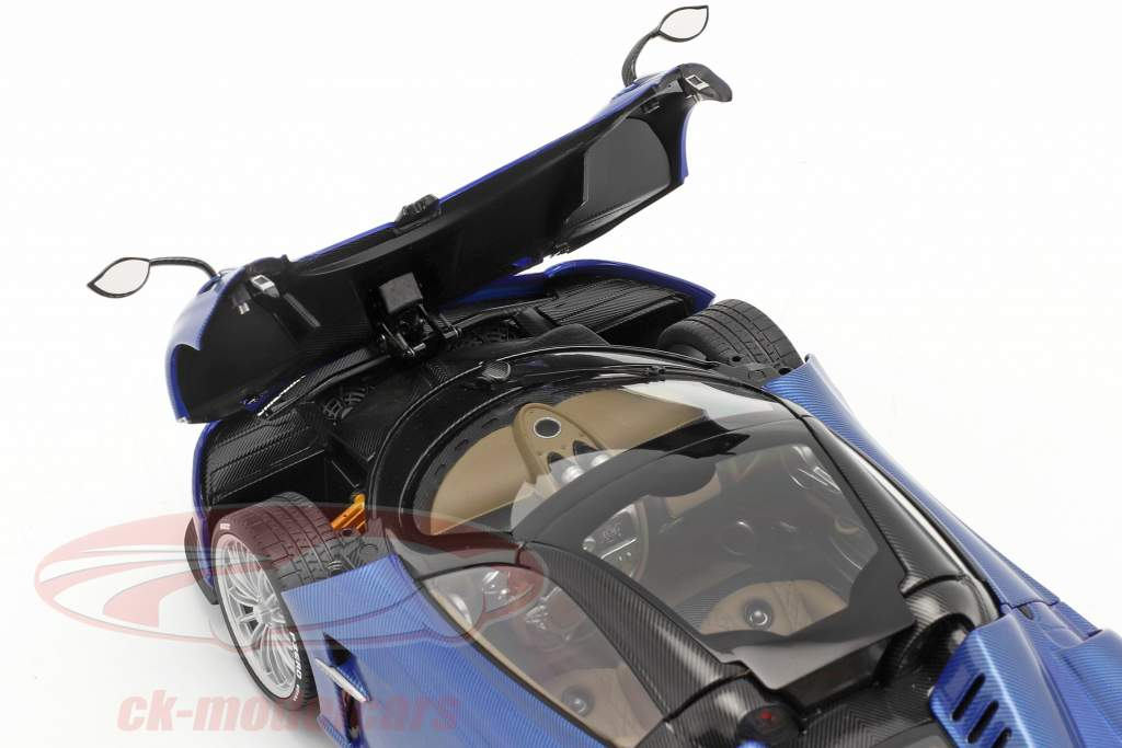 Pagani Huayra Roadster Année de construction 2017 bleu carbone 1:18 AUTOart