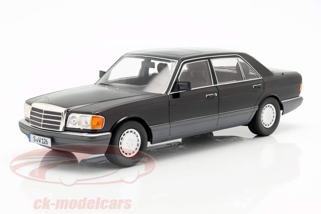 Mercedes-Benz 560 SEL S-klasse (W126) Byggeår 1985 sort / Grå 1:18 iScale