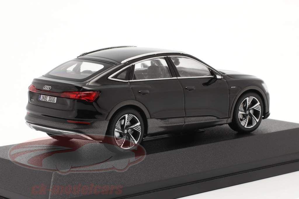 Audi e-tron Sportback Bouwjaar 2020 zwart 1:43 iScale