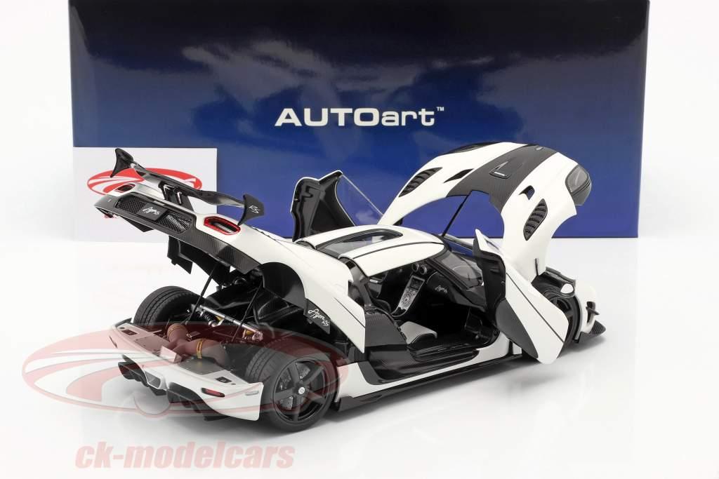 Koenigsegg Agera RS Año de construcción 2015 ártico blanco / carbón 1:18 AUTOart