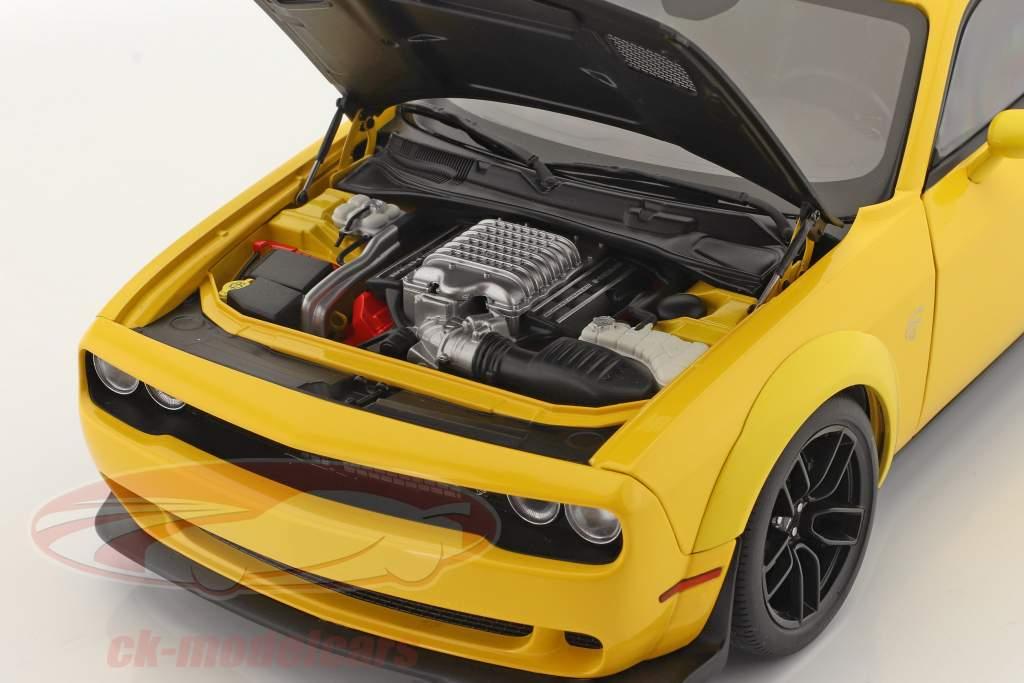 Dodge Challenger SRT Hellcat Widebody Año de construcción 2018 amarillo / negro 1:18 AUTOart