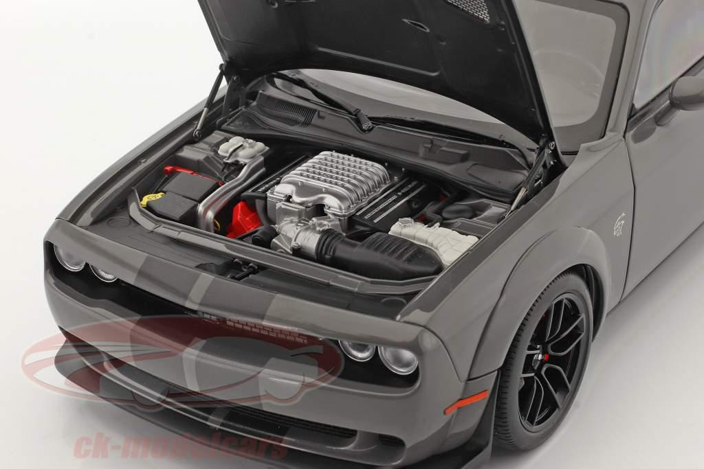 Dodge Challenger SRT Hellcat Widebody Año de construcción 2018 gris 1:18 AUTOart