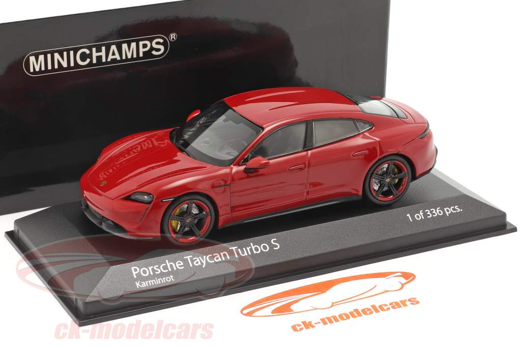 Porsche Taycan Turbo S Bouwjaar 2020 karmijn rood 1:43 Minichamps