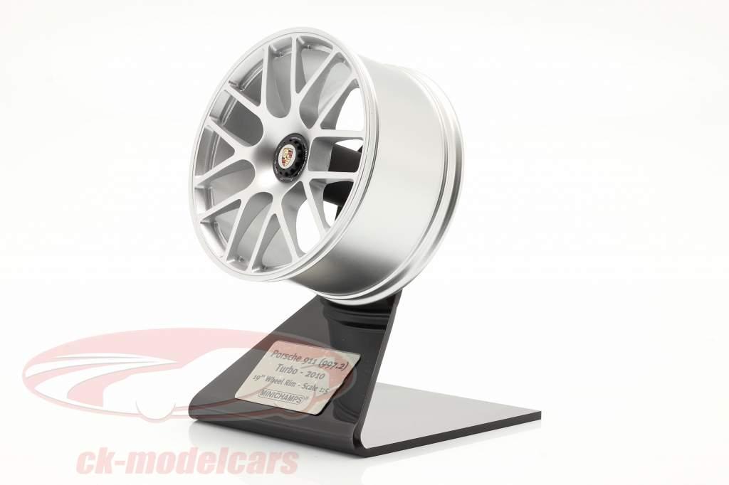 Porsche 911 (997 II) Turbo 2010 rand 19 inch zilver 1:5 Minichamps