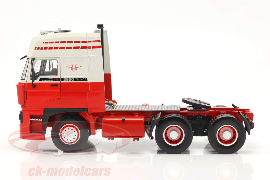 DAF 3600 SpaceCab Sattelzugmaschine 1986 weiß / rot 1:18 Road Kings