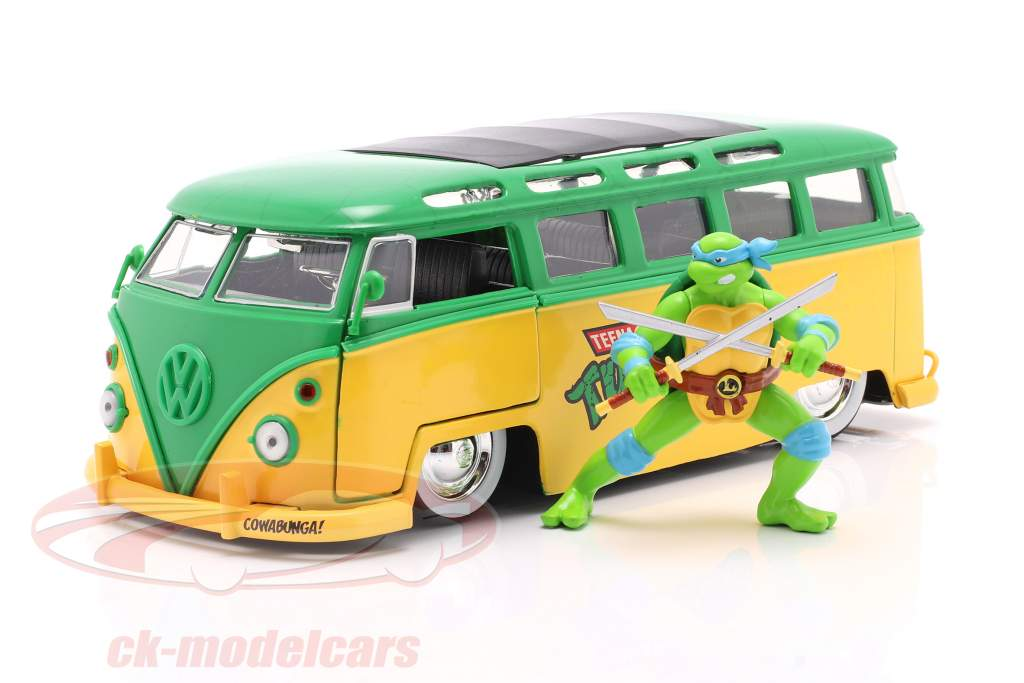 Volkswagen VW Bus TV series Teenage Mutant Ninja Turtles with figure 1:24 Jada Toys