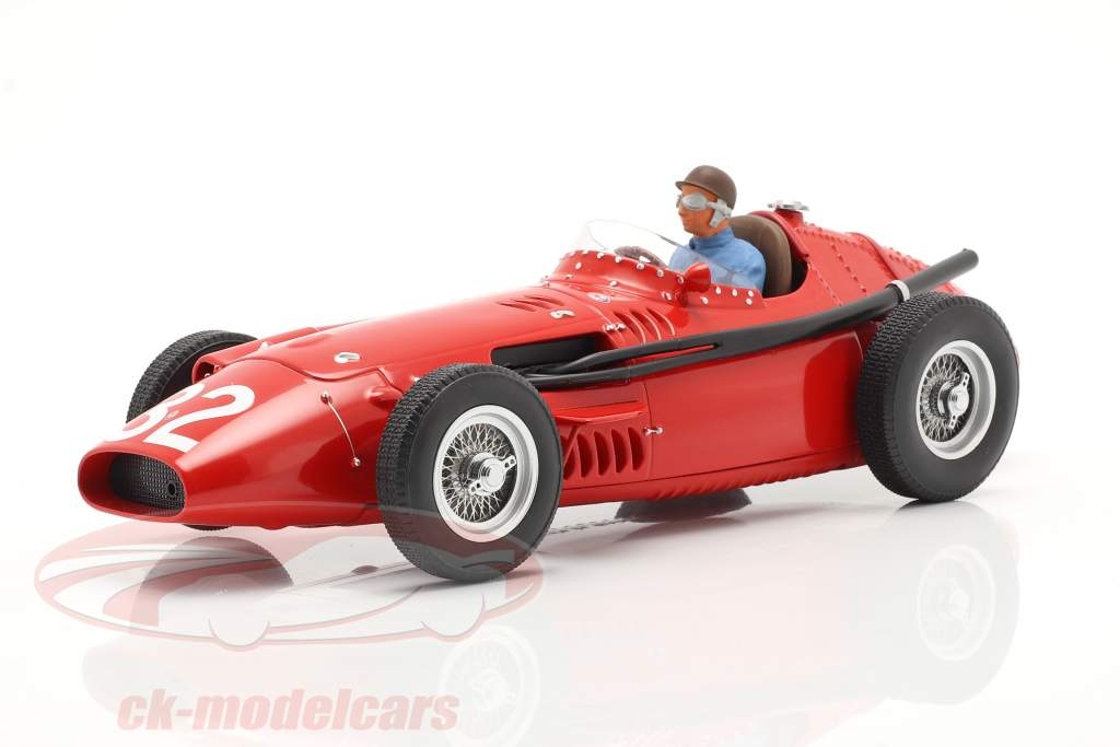 Set: Maserati 250F #32 Monaco GP World Champion F1 1957 with driver figure 1:18 CMR