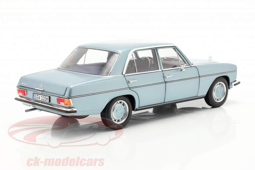 Mercedes-Benz 200 (W114/115) Bouwjaar 1968-73 grijsblauw metalen 1:18 Norev