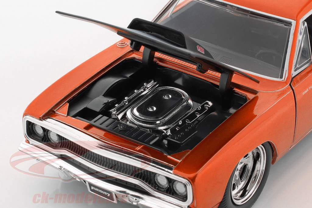 Plymouth Road Runner から ザ・ 映画 Fast and Furious 7 2015 1:24 Jada Toys