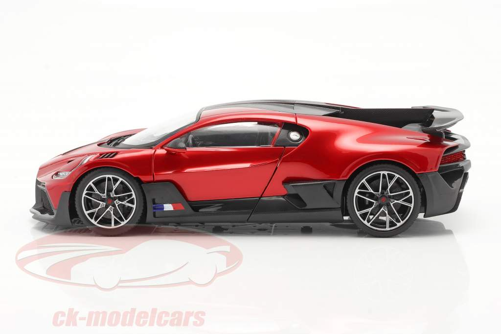 Bugatti Divo Byggeår 2018 rød / sort 1:18 Bburago