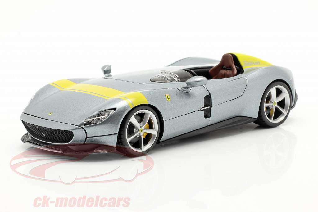 Ferrari Monza SP1 Año de construcción 2019 gris metálico / amarillo 1:24 Bburago