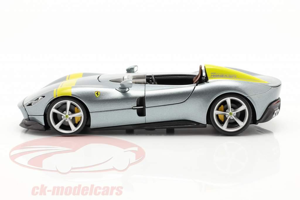 Ferrari Monza SP1 Bouwjaar 2019 Grijs metalen / geel 1:24 Bburago