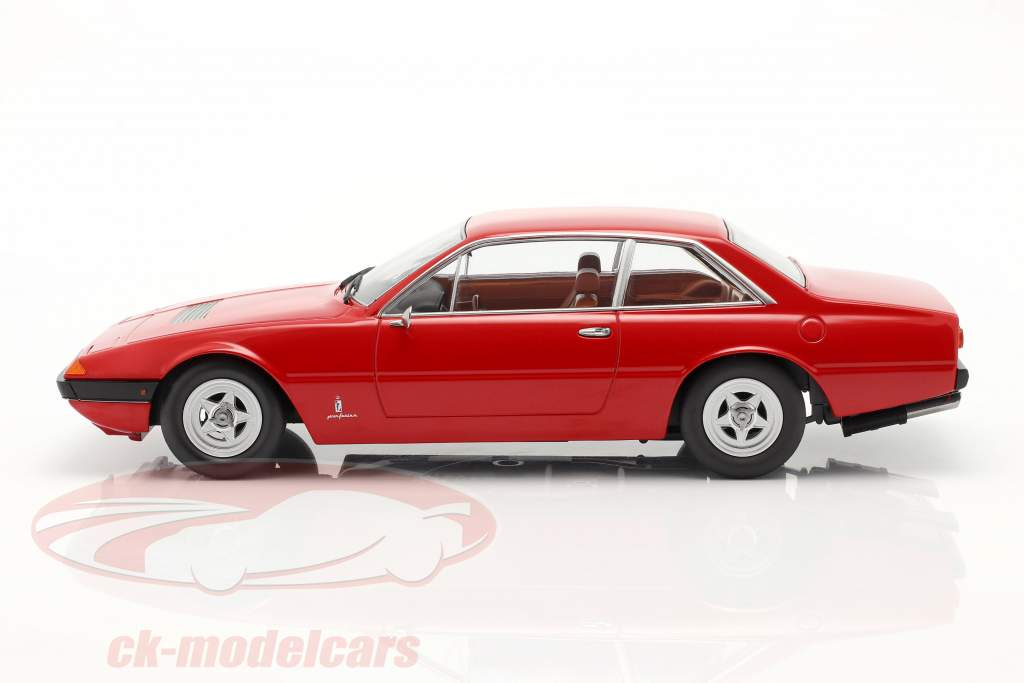 Ferrari 365 GT4 2+2 Año de construcción 1972 rojo 1:18 KK-Scale