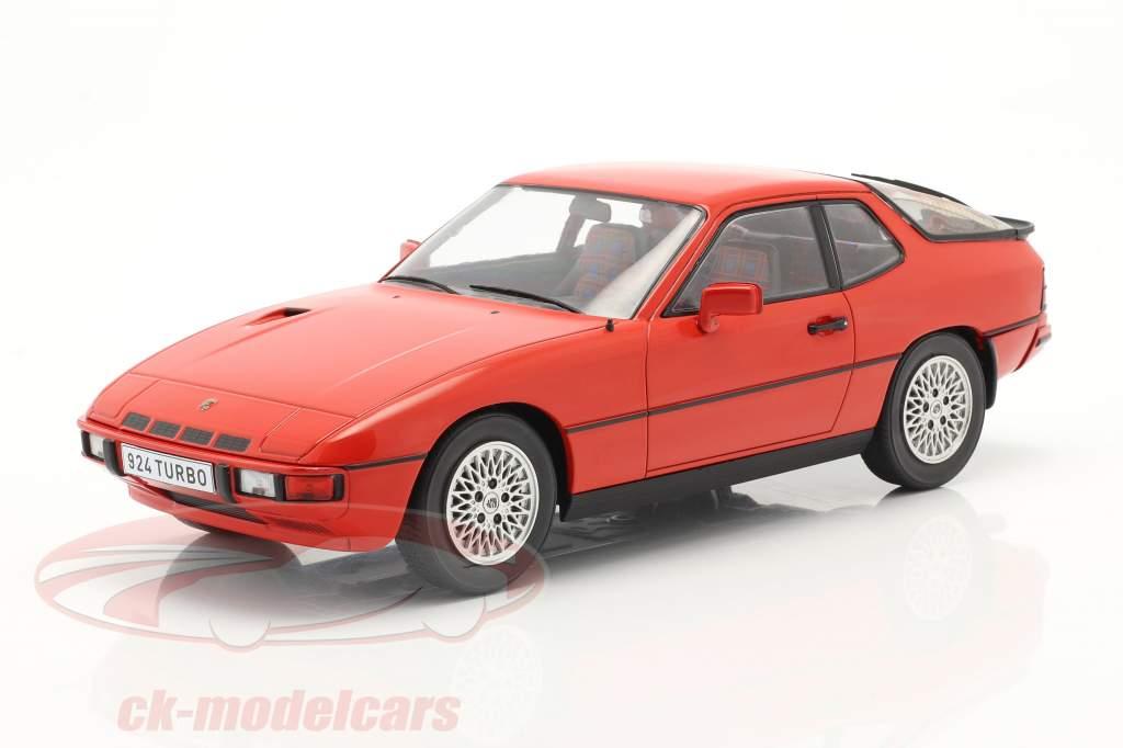 Porsche 924 Turbo Anno di costruzione 1979 rosso 1:18 Model Car Group
