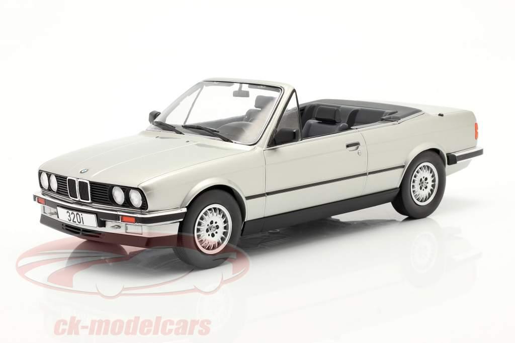 BMW 3 Serie (E30) Cabriolet Anno di costruzione 1985 argento 1:18 Model Car Group