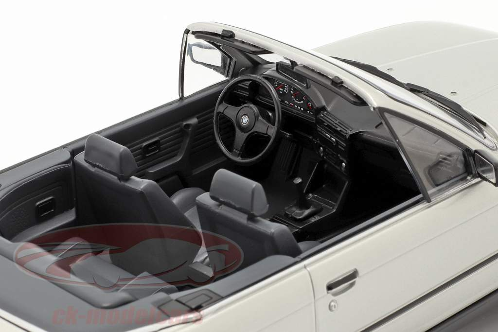 BMW 3 Series (E30) Cabriolet year 1985 silver 1:18 Model Car Group