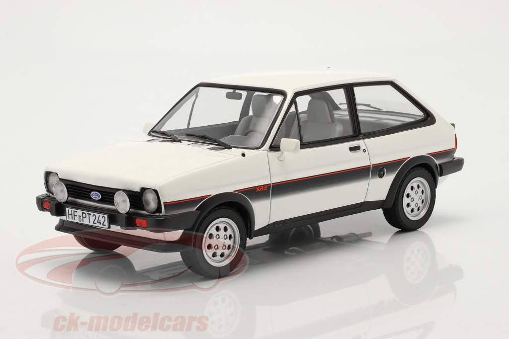 Ford Fiesta XR2 year 1981 white / black 1:18 Norev