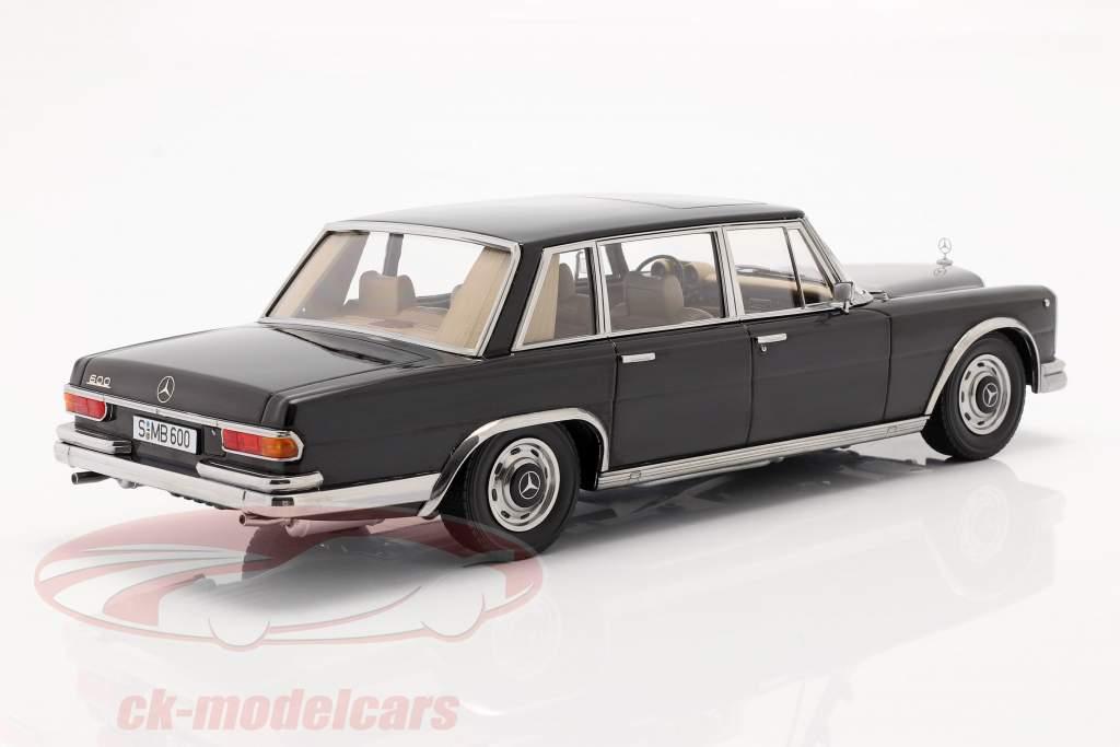 Mercedes-Benz 600 SWB (W100) Byggeår 1963 sort 1:18 KK-Scale