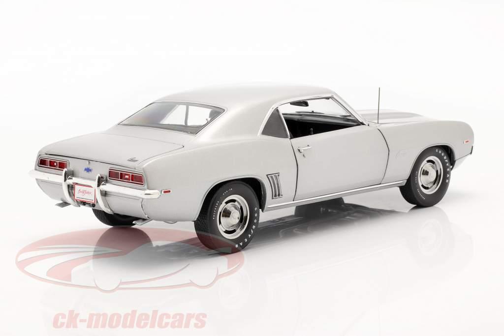 Chevrolet Camaro ZL1 Coupe Anno di costruzione 1969 argento 1:18 Highway61